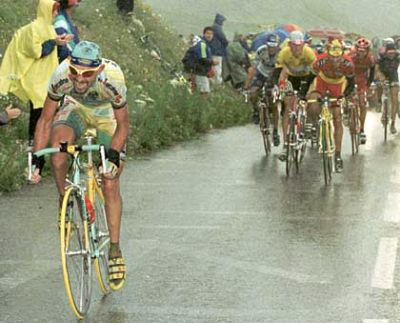 Marco Pantani Attacks Ullrich group on Col du Galibier