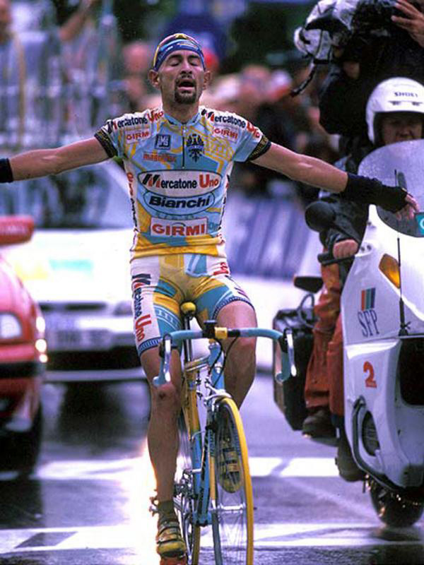 Marco Pantani wins stage 15 of Tour de France 1998 on Col du Galibier