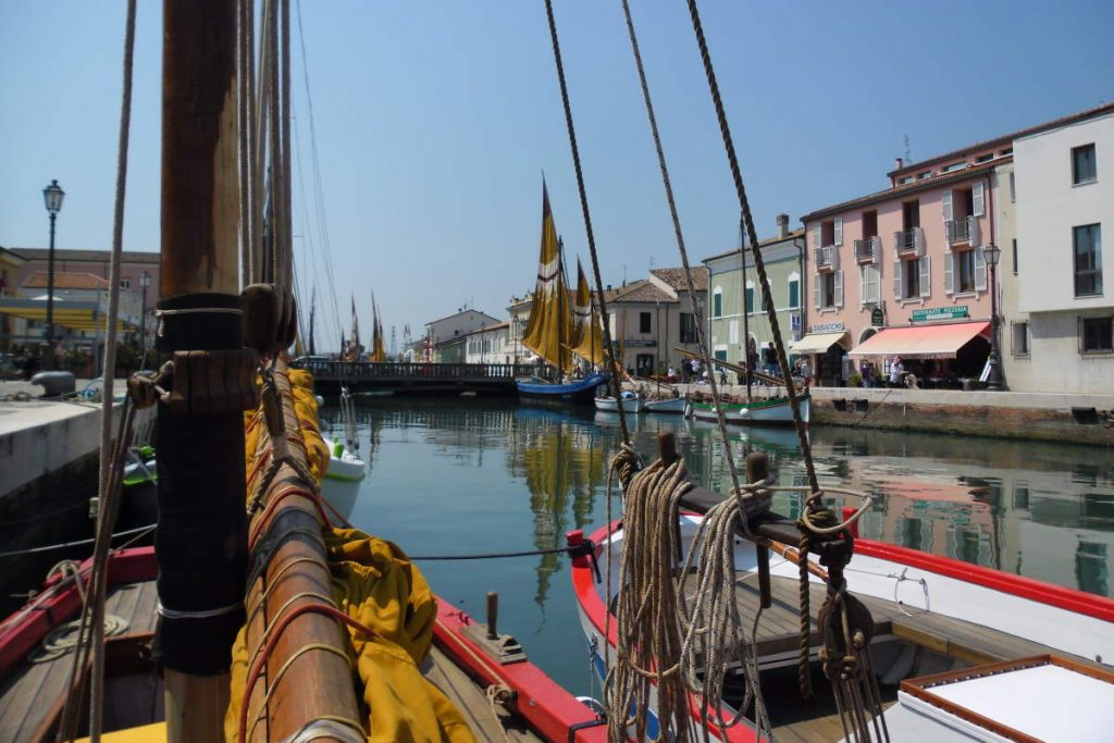 Cycling tour in Italy: Cesenatico canal