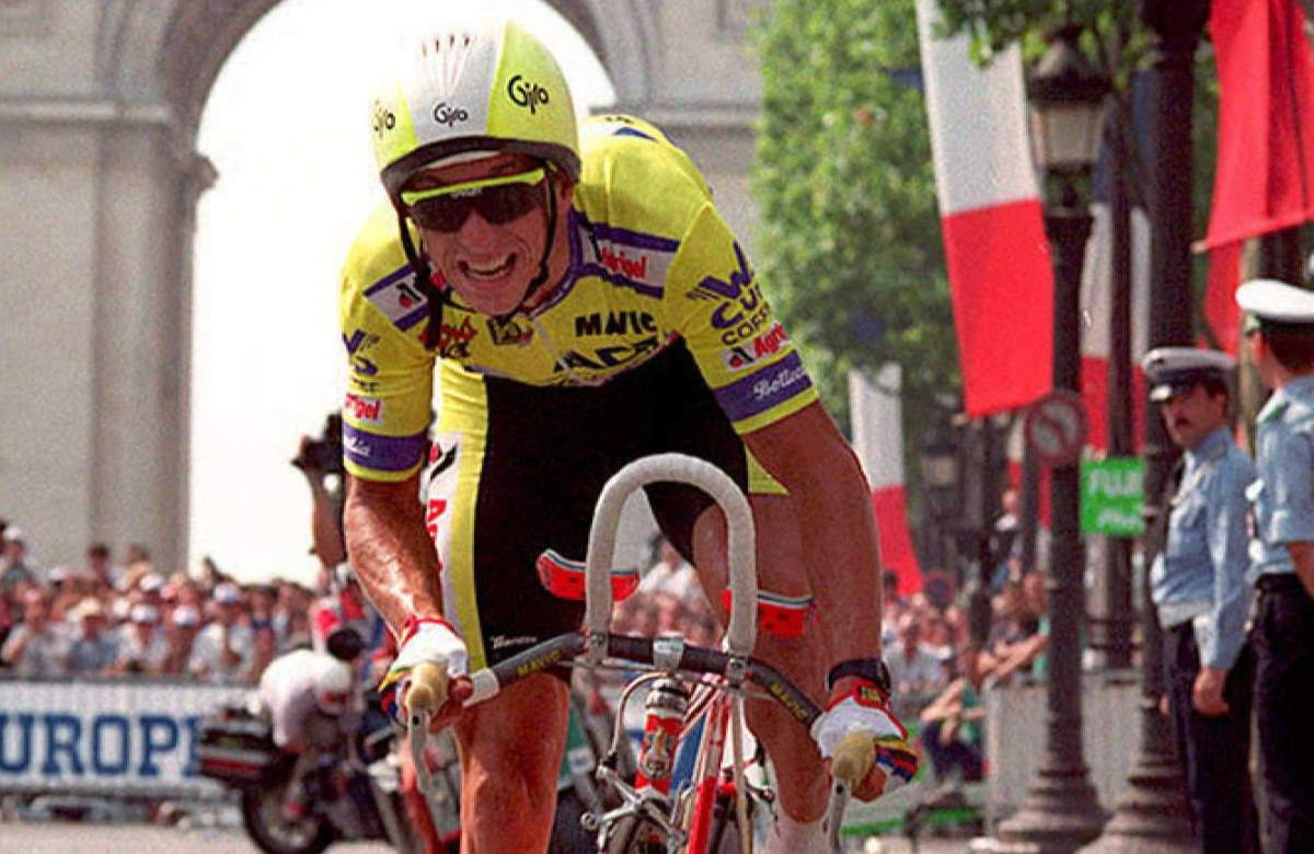 Eight seconds: Greg Lemond, 1989 Tour de France (cropped)