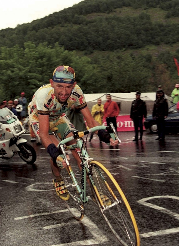 Marco Pantani's used Tour de France bikes sold at auction ...