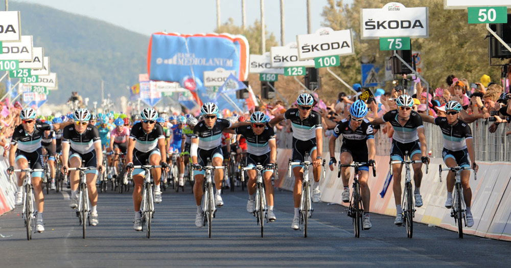 Peloton rides in tribute to Wouter Weylandt