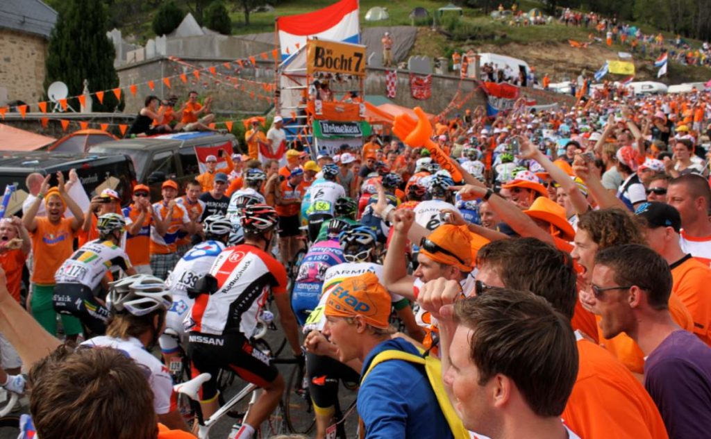 Tips from David Millar on how to watch a cycling race live. Tour de France 2015, fans