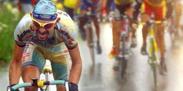 Marco Pantani attacks on Jan Ullrich