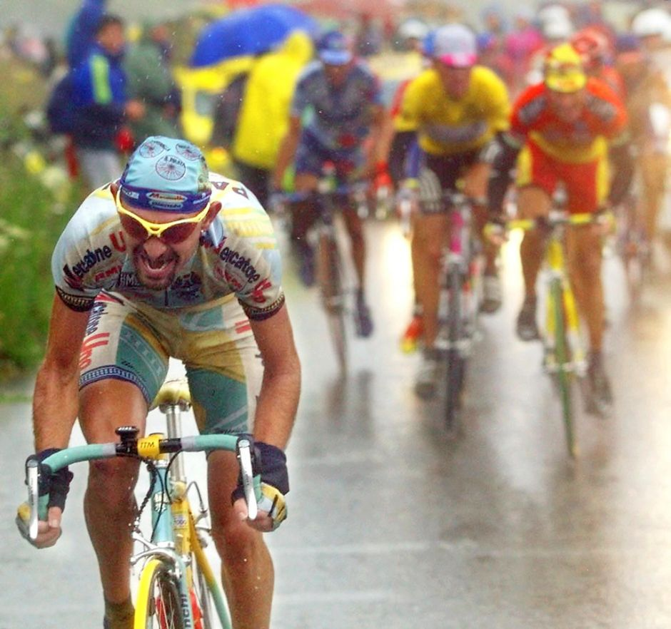 Gallery of Vélo d'Or winners (1992-1999): Marco Pantani attacks on Jan Ullrich