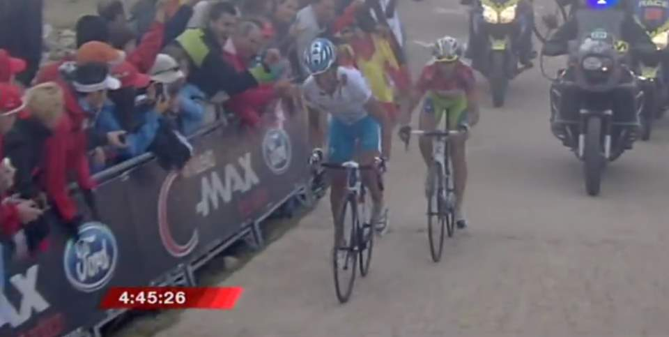 Nibali catches Mosquera in the final meters of Bole del Mundo climb (Stage 20 of the 2010 Vuelta a España)