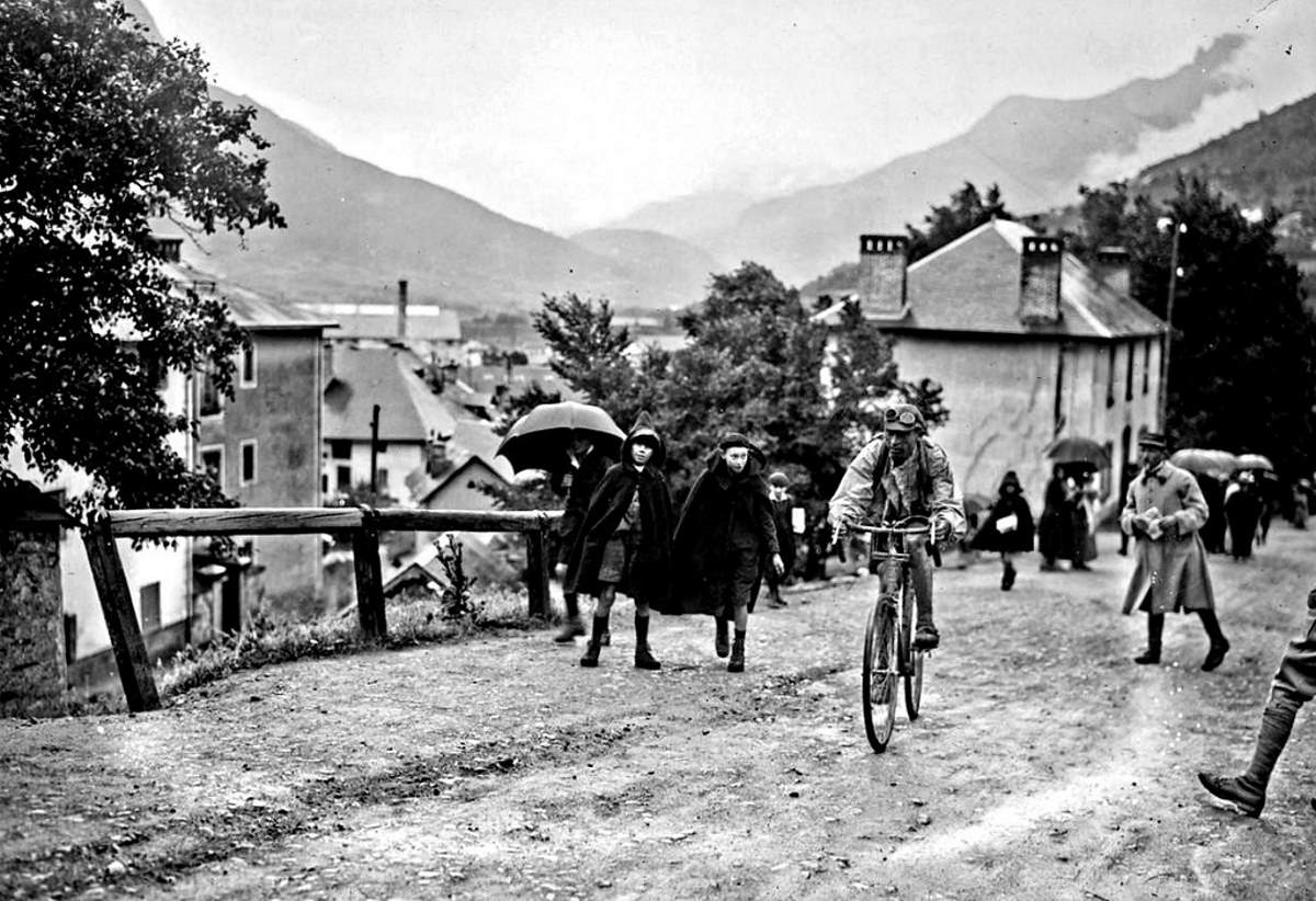 Ottavio Bottecchia arrives in Briançon, Tour de France 1925