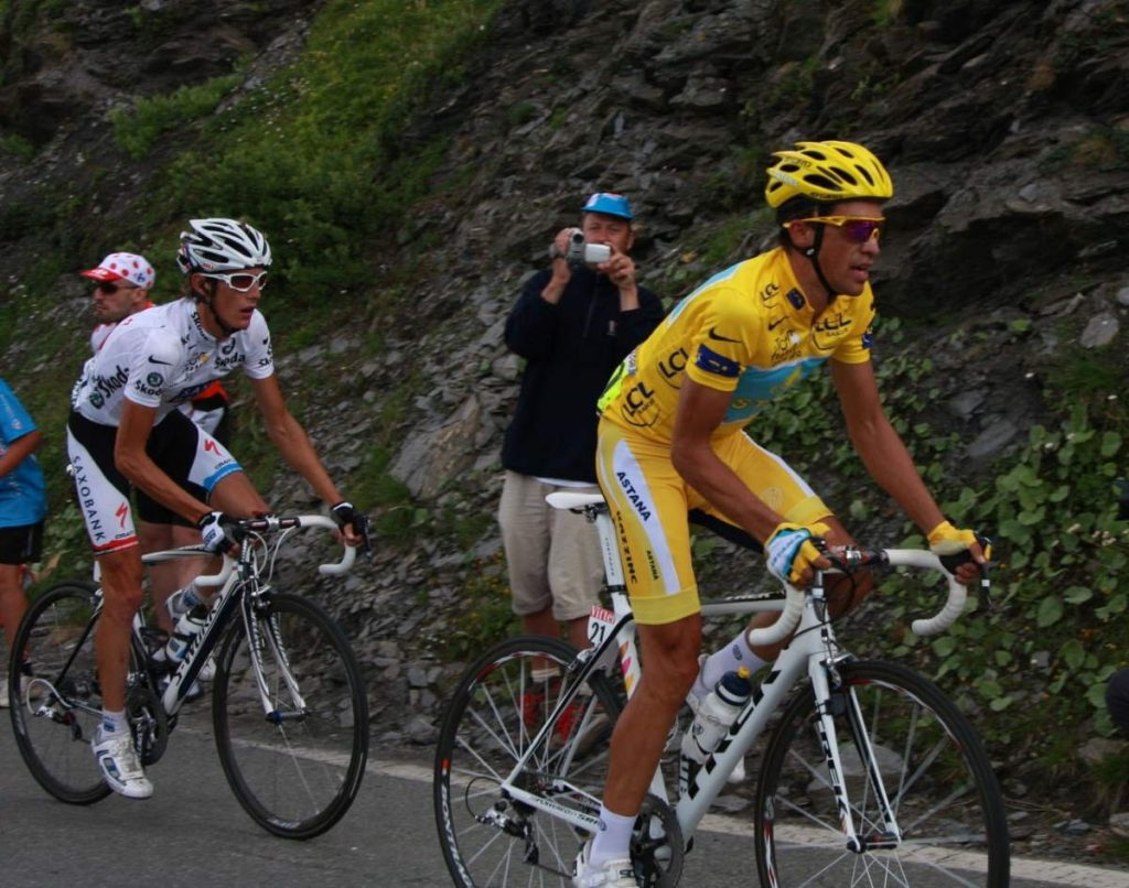 Vélo d'Or winners (2000-2009): Contador and Schleck at the 2009 Tour de France.