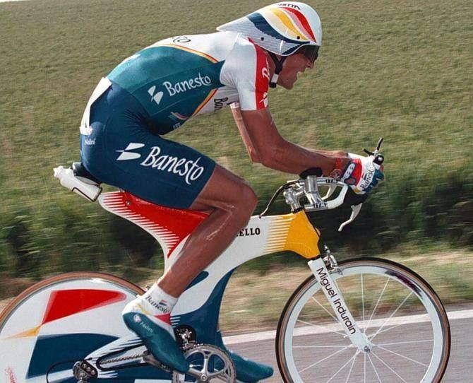 Miguel Indurain riding his Pinarello Espada